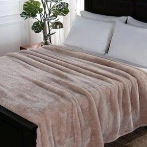 Kate Spade Rose Gold Pink Twin Size Fleece Blanket